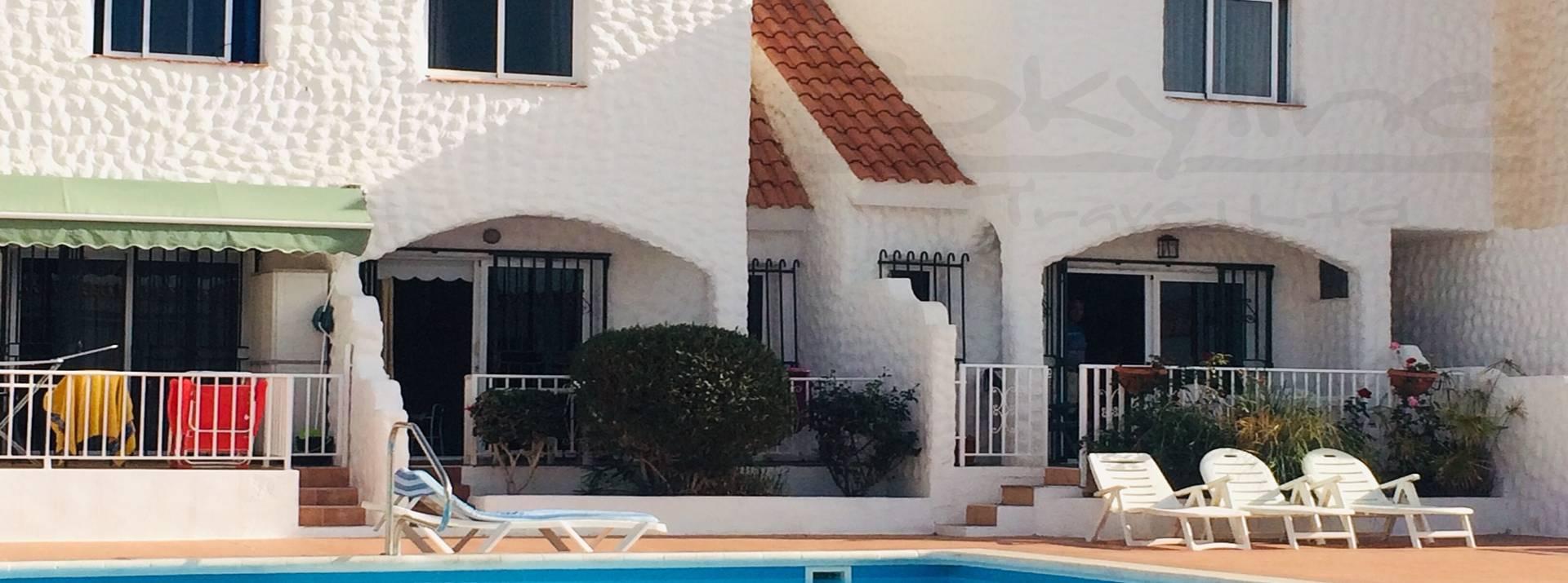 paloblanoc-apartment-pool.jpeg
